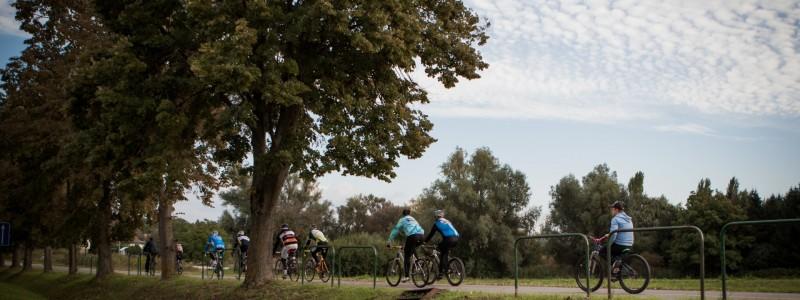 Kerékpárút a Csónakázó-tóhoz